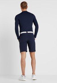 Lacoste Sport - GOLF BERMUDA SHORT - Pantalón corto de deporte - navy blue - 2