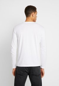 Marc O'Polo - LONGSLEEVE ROUND NECK - Long sleeved top - white - 2