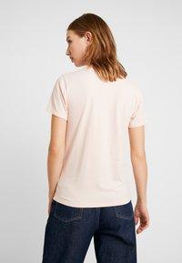 Hollister Co. - TECH CORE - Camiseta estampada - pink - 2