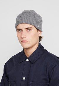 Calvin Klein - BASIC BEANIE - Gorro - grey - 1