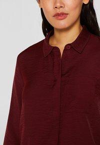 Esprit - IM STREIFEN-LOOK - Button-down blouse - garnet red - 4