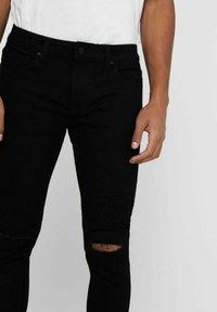 Only & Sons - ONSWARP LIFE KNEECUT - Jeans Skinny Fit - black denim - 4