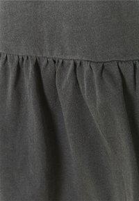 GAP - VINT PEPLUM - T-shirt med print - soft black - 2