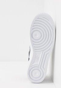 Nike Sportswear - AIR FORCE 1  - Sneakers - white/black - 5