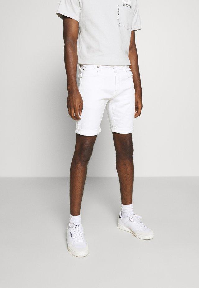 3301 SLIM SHORT - Denim shorts - elto white
