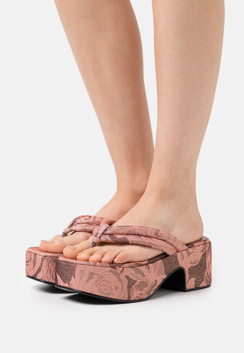 Jeffrey Campbell - LUAU - Sandály s odděleným palcem - pink/rose