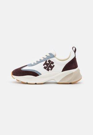 Trainers - white/plum