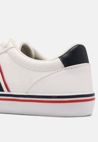 Benetton - CRISPY - Sneakers basse - white/navy - 4