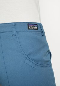 Patagonia - STAND UP - Short de sport - pigeon blue - 3