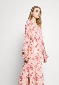 NA-KD - TIE STRAP OVERLAP DRESS - Day dress - rose - 4