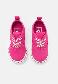 Vans - AUTHENTIC ELASTIC LACE - Sneakers laag - fuchsia purple/high risk red - 3