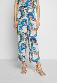 Emily van den Bergh - Bukse - multicolour - 0