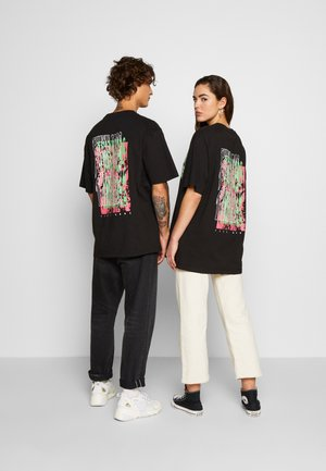 FRONT BACK GRAPHIC TEE - Print T-shirt - black