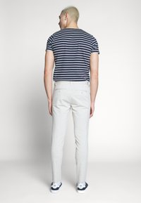 Only & Sons - ONSMARK TAP PANT  - Tygbyxor - chinchilla - 2