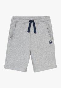 Benetton - BERMUDA - Shorts - grey - 0