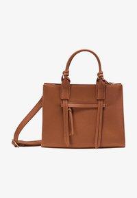 usha - Handbag - cognac - 1