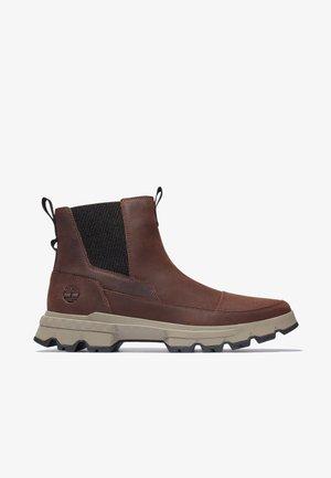 TBL ORIGINALS ULTRA CHELSEA - Classic ankle boots - soil