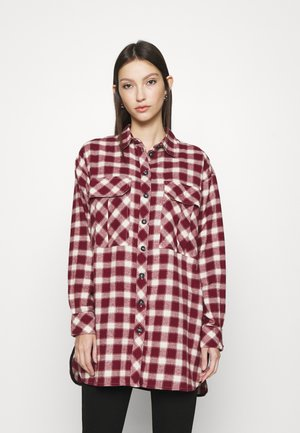 CAUSAL OVERSIZE CHECK - Button-down blouse - red
