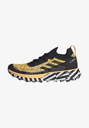 TERREX TWO TRAIL RUNNING - Zapatillas de trail running - gold
