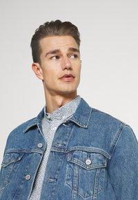 TOM TAILOR - Shirt - white/blue - 3
