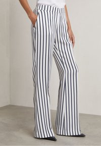 Hunkydory - RON - Trousers - true navy stripe - 2