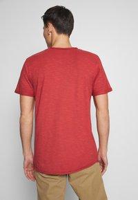 INDICODE JEANS - ALAIN - T-shirt - bas - red ochre - 2