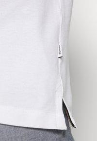 Esprit - MLA-020EE2K309      OCS F BLOCK POL - Polo shirt - white - 6