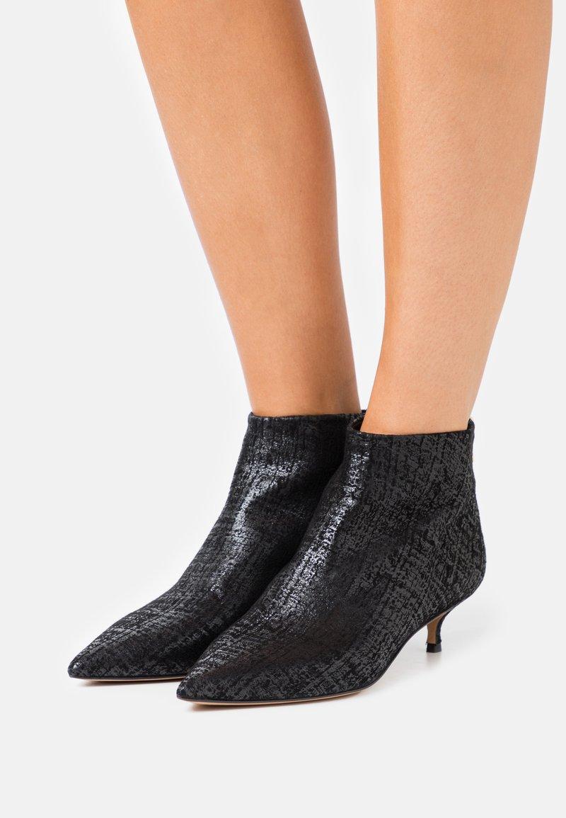 Pura Lopez - Ankle boots - swanky black