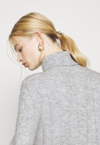 Even&Odd - CABLE LONG LINE - Jersey de punto - mottled light grey - 4