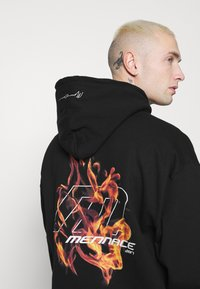 Mennace - FIRE HOODIE - Sweatshirt - black - 3