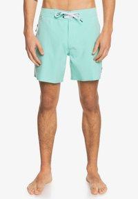 Quiksilver - SURFSILK KAIMANA  - Swimming shorts - cabbage - 0