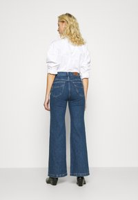 Madewell - LEIGH RETRO - Flared Jeans - mersey - 2