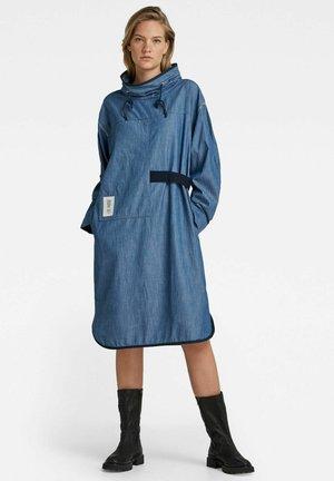 MOCK NECK LONG SLEEVE - Denim dress - rinsed