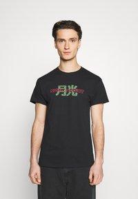 Night Addict - STREET - T-shirt med print - black - 2