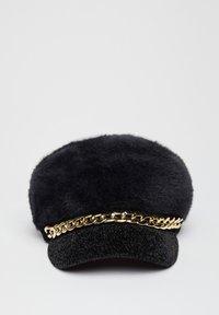 Liu Jo Jeans - SOFT HAT WITH MAXI CHAIN - Czapka z daszkiem - black - 1