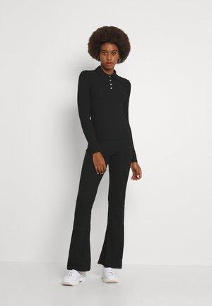 ONLNELLA TOP PANT SET - Pantaloni - black