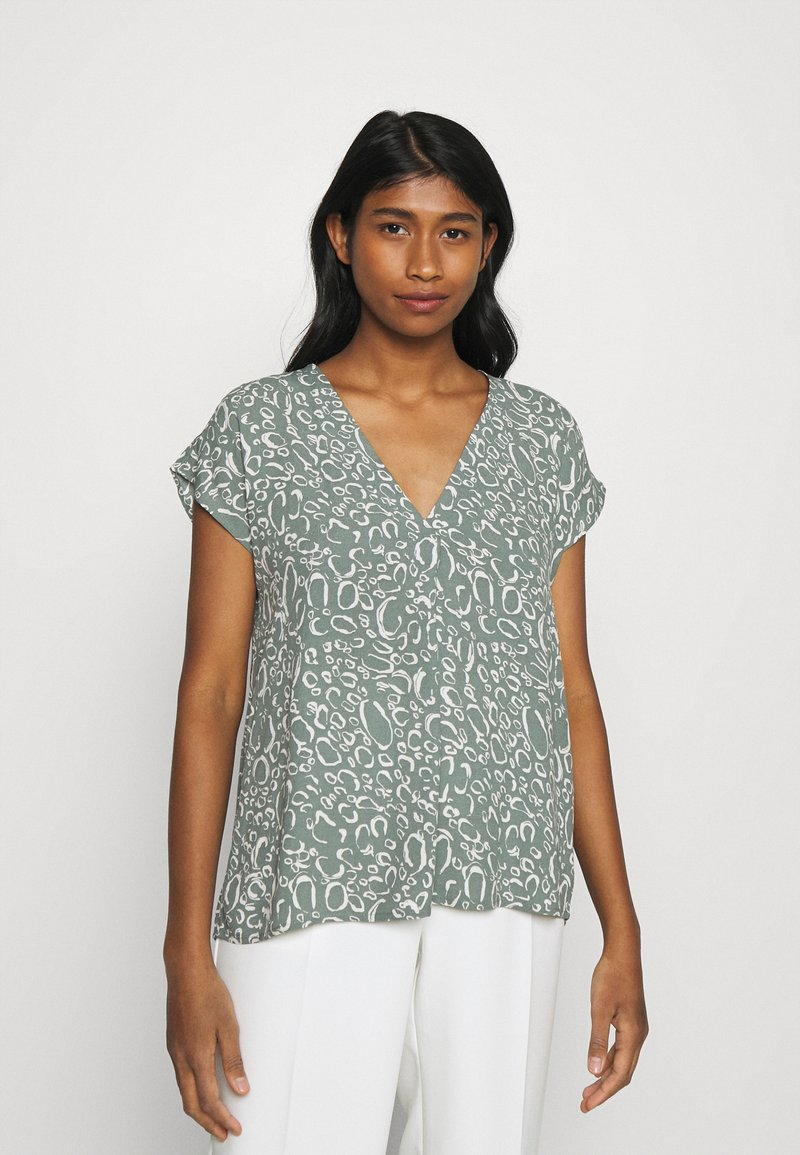 Vero Moda - VMLIVA - Camiseta estampada - laurel wreath