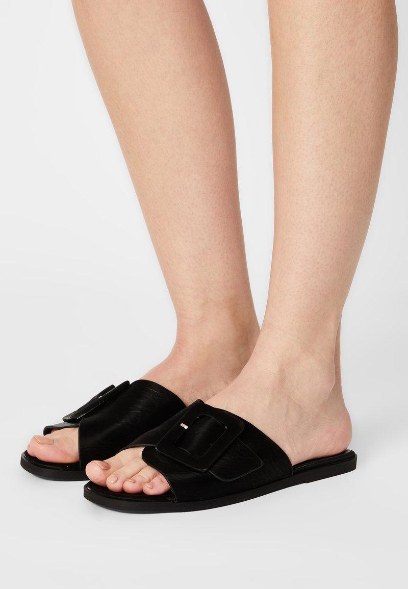 Vero Moda - VMGINE - Mules - black
