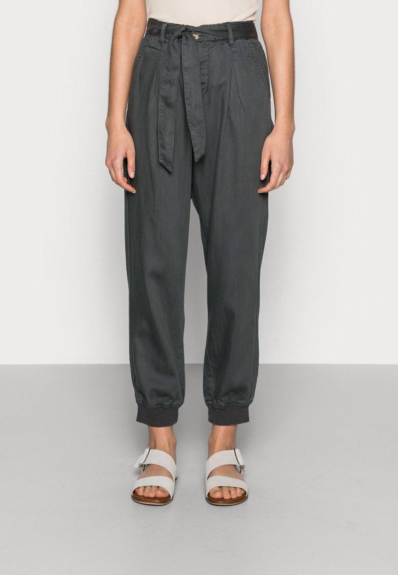 Lounge Nine - BODINA PANT - Trousers - dark shadow