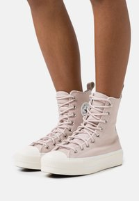 Converse - CHUCK TAYLOR ALL STAR LIFT - High-top trainers - silt red/egret/black - 0