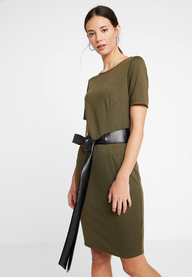 Vestido de tubo - olive