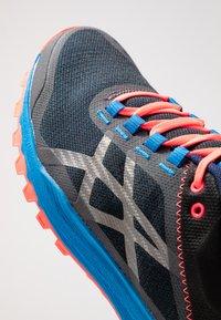 ASICS - FUJILYTE XT - Chaussures de running - electric blue/black - 5