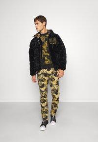 Versace Jeans Couture - Piumino - nero - 1