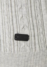 Only & Sons - ONSRIGE THIN CABLE CREW NECK - Jumper - light grey melange - 2