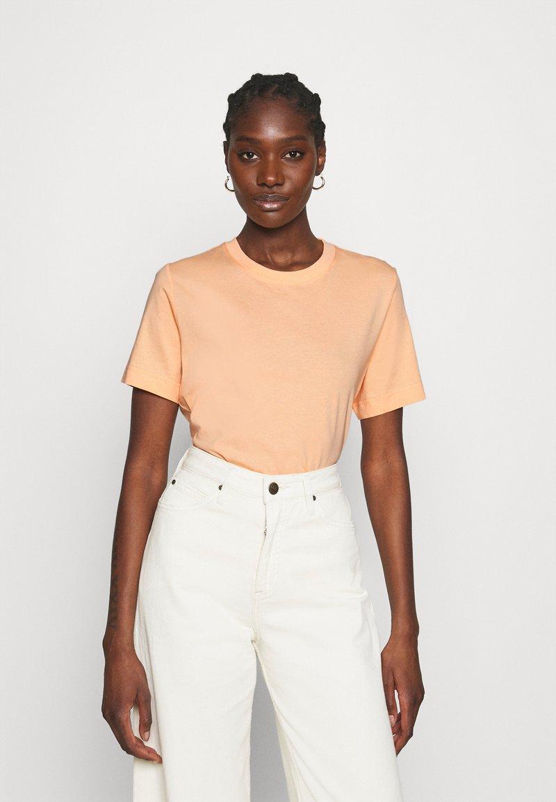 ARKET - Basic T-shirt - apricot