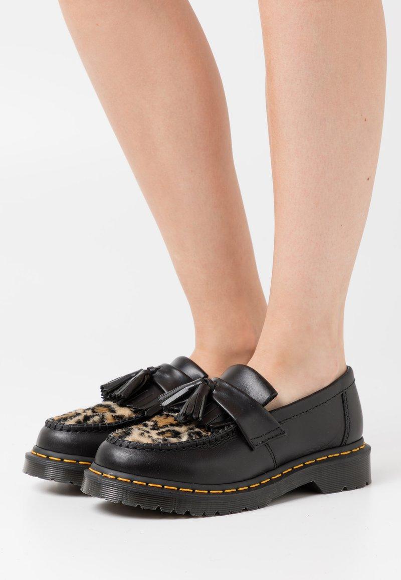Dr. Martens - ADRIAN FLUFF - Slippers - dark grey/tan/black