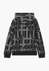 Calvin Klein Jeans - LOGO TAPE HOODIE - Mikina skapucí - black - 1