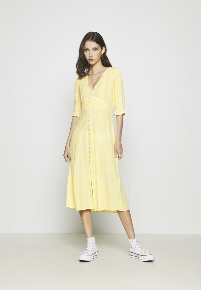 AVRIL DRESS - Shirt dress - yellow