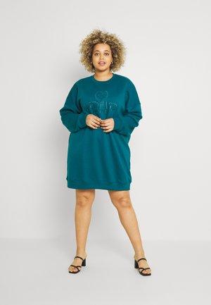PLUS DRESS COPENHAGEN - Vestito estivo - green
