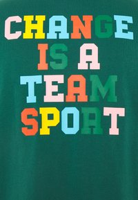 adidas Originals - MULTI TEE - T-shirts print - collegiate green - 3